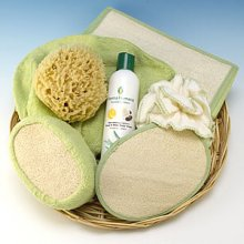 Holiday Bamboo & Loofah Bath & Shower Gift Basket